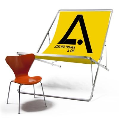 transat géant chaise publicitaire événement extérieur