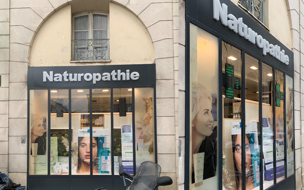 vitrophanie pharmacie